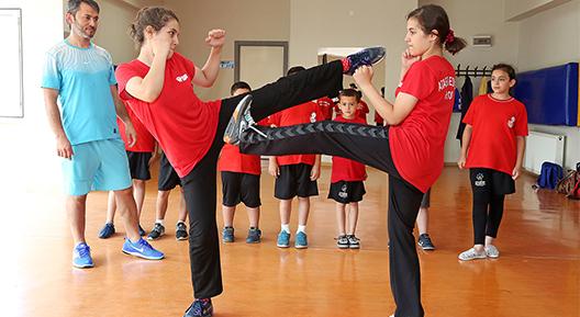 Ataşehir'de genç sporcular yetişiyor