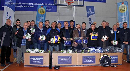 İBB'den Ataşehir'deki Amatör Spor Kulüplerine Destek