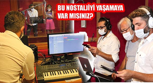 Nostaljik Radyo Tiyatrosu Ataşehir'de Hayat Buluyor