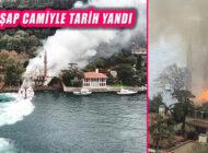 İstanbul Boğazı Vaniköy'de Tarihi Ahşap Vaniköy Camii Alev Alev Yandı