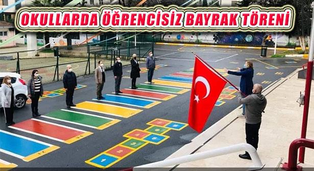 Pandemi Okullarda Öğrencisiz Bayrak Töreni ve İstiklal Marşı