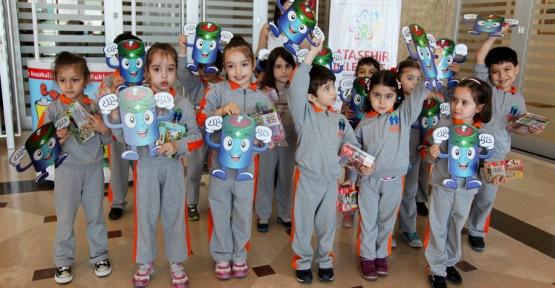 Ataşehir'de Müzikli Kukla Tiyatrosu ile Çocuklar Buluştu