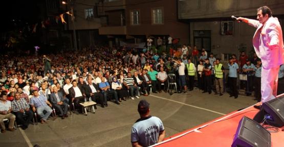 Ataşehir'de İzzet Altınmeşe'den Türkü Ziyafeti