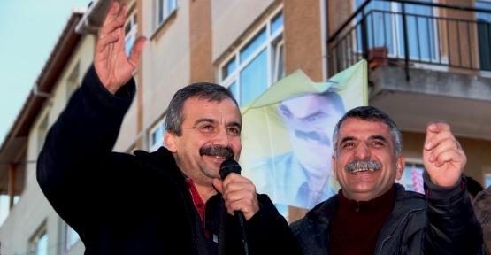 Sırrı Süreyya Önder Ataşehir'de Açılış yaptı